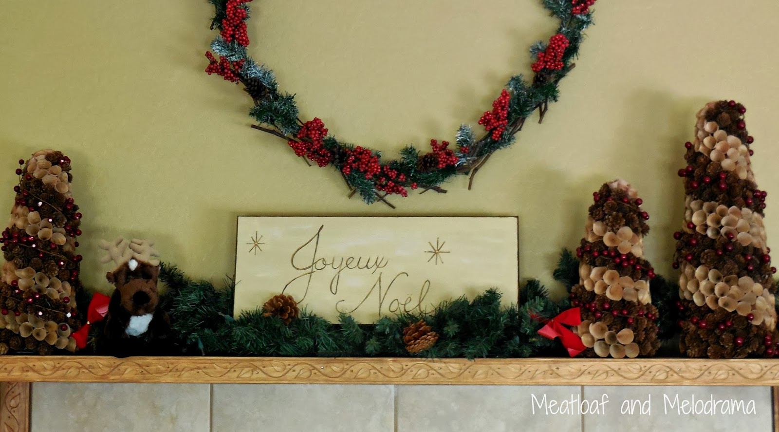rustic Christmas mantel decorations, rustic Christmas garland