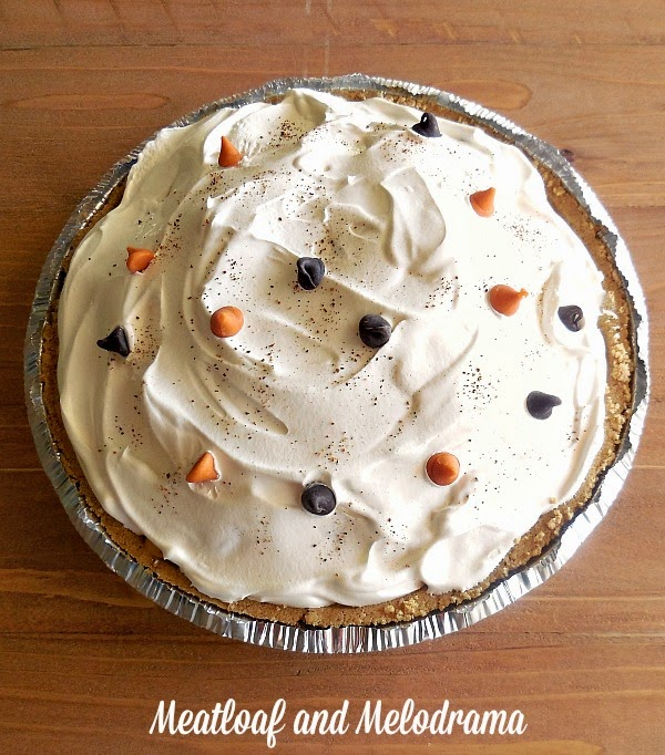 no bake pumpkin ice cream pie with cool whip and chocolate chips