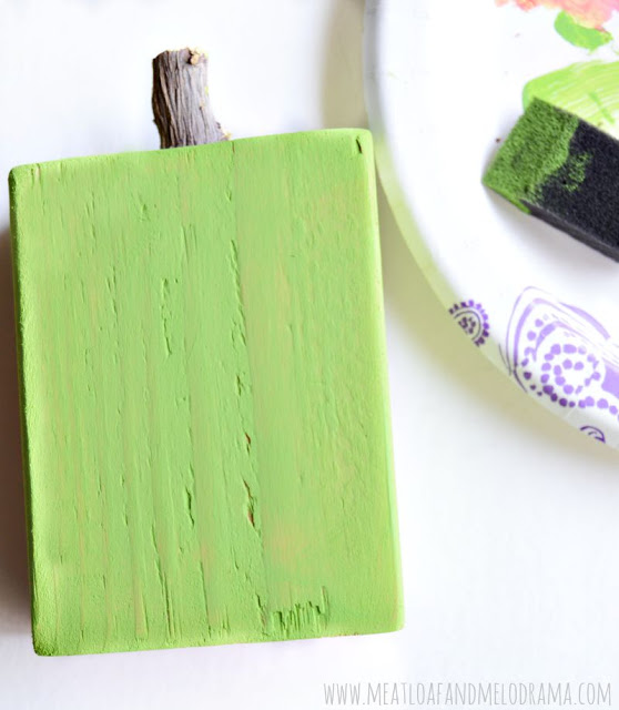 paint wood apple green