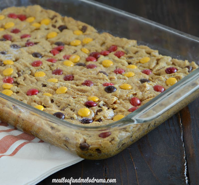 pumpkin-chip-bars-in-a-baking-dish