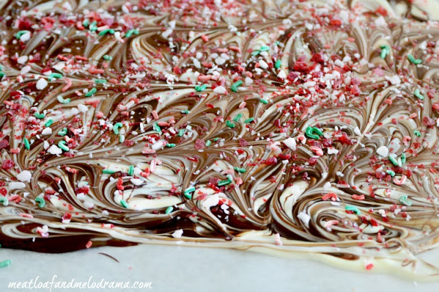 top-bark-with-crushed-peppermint-candies