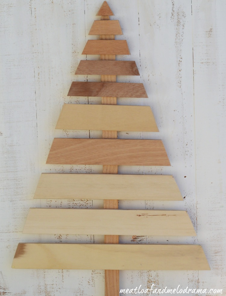 Pallet Wood Christmas Tree.Diy Wood Pallet Christmas Tree Meatloaf And Melodrama