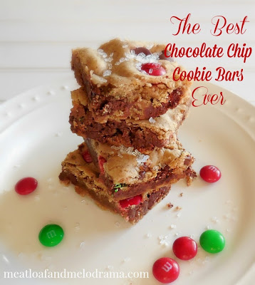 best-ever-chocolate-chip-cookie-bars-with-m&m-candies