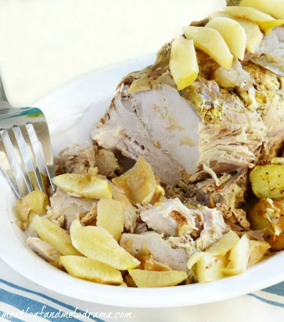 Recipe-for-slow-cooker-pork-roast-with-cinnamon-apples-onions