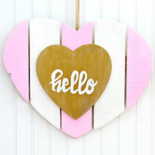 diy-valentine-door-hanger-heart