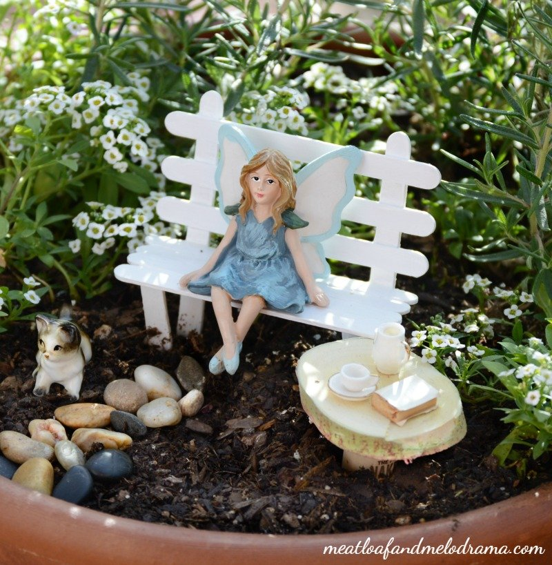 Easy diy fairy garden meatloaf and melodrama for Easy to make garden decorations