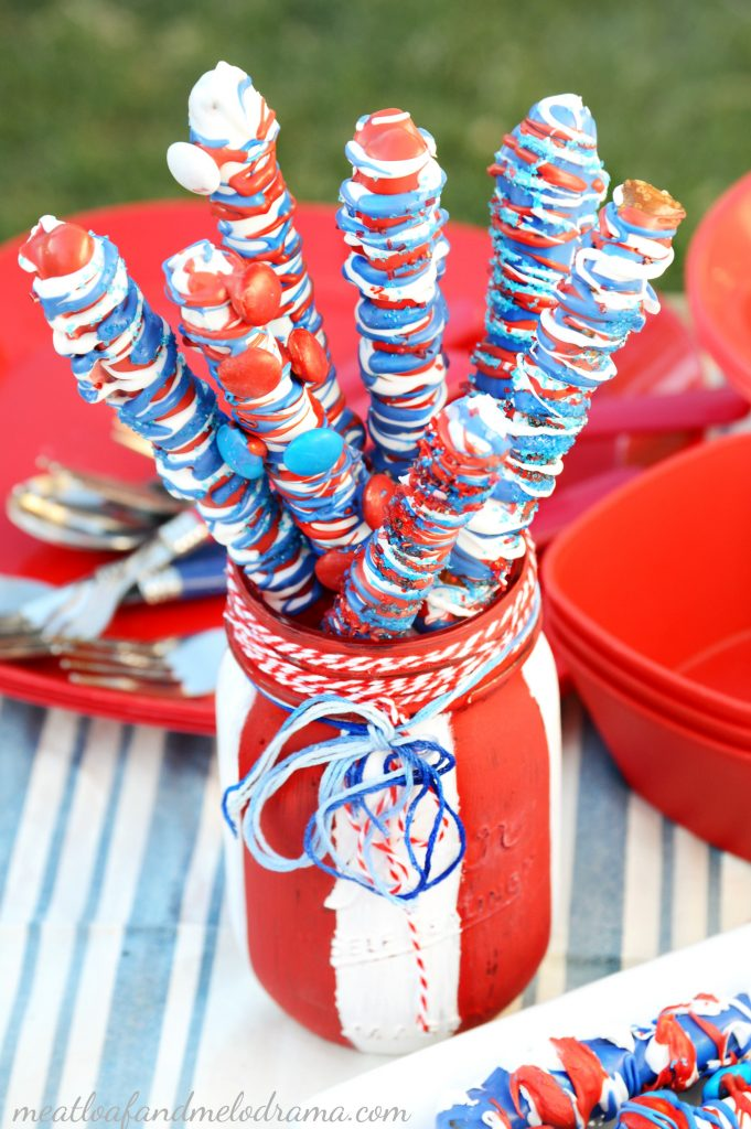 patriotic-candy-coated-pretzel-sticks-red-white-blue
