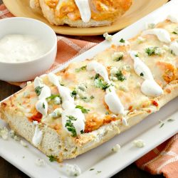 easy-buffalo-french-bread-pizza-plated