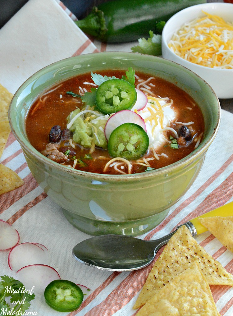 easy-beef-taco-soup-recipe-meatloafandmelodrama.com