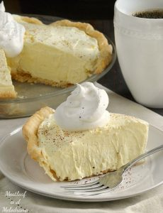 easy-eggnog-pie-whipped-topping-nutmeg-dessert.meatloafandmelodrama.com