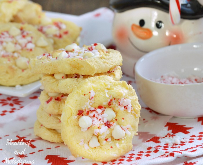 Easy White Chocolate Peppermint Crunch Cookies Meatloaf And Melodrama