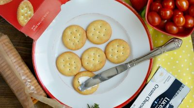 how to make easy appetizers with ritz crackers and cream cheese