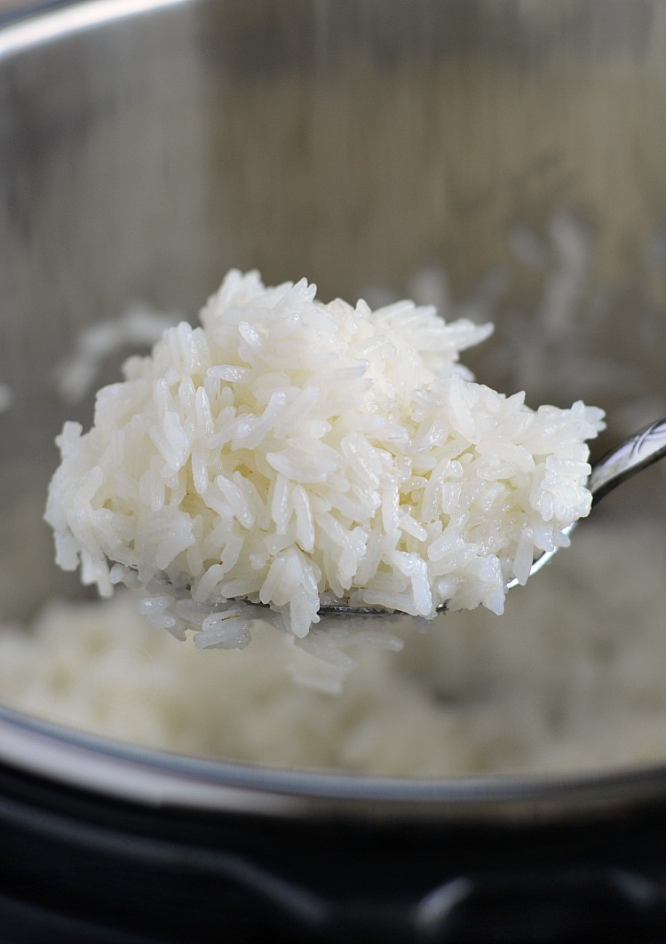 instant pot jasmine rice in a spoon