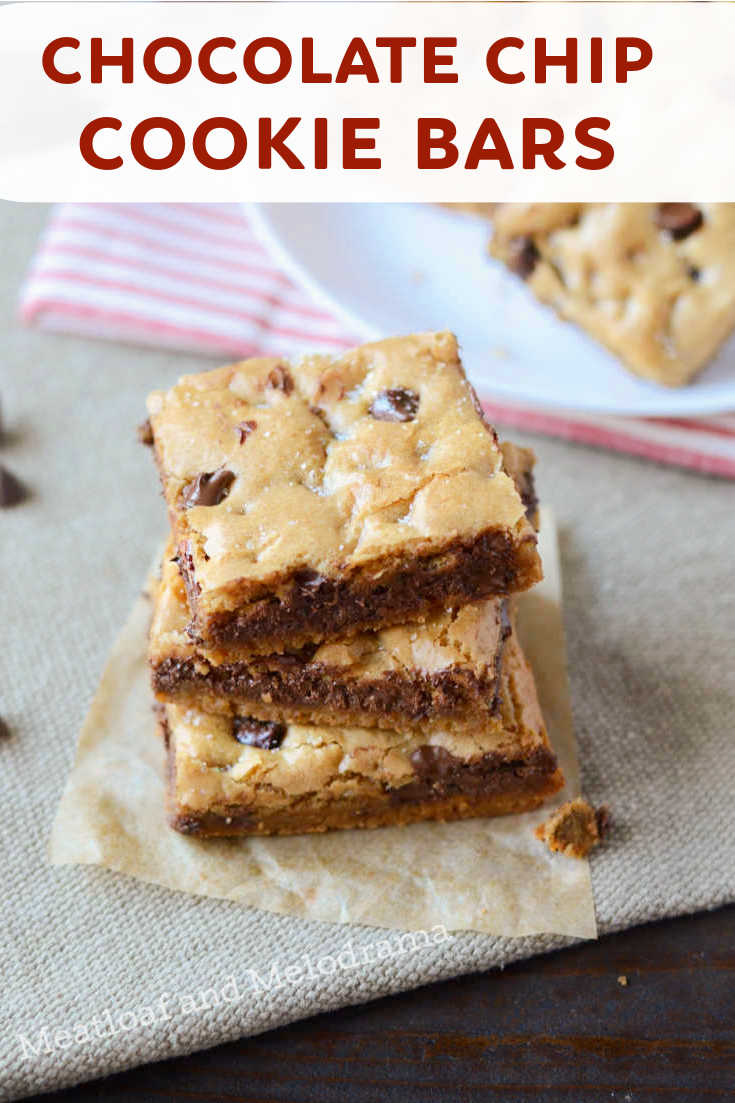 These Chewy Chocolate Chip Cookie Bars are the best ever! This easy recipe for bar cookies uses 1 bowl and takes just 25 minutes to bake!