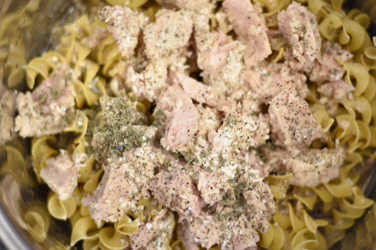 egg noodles and tuna fish in instant pot for tuna noodle casserole