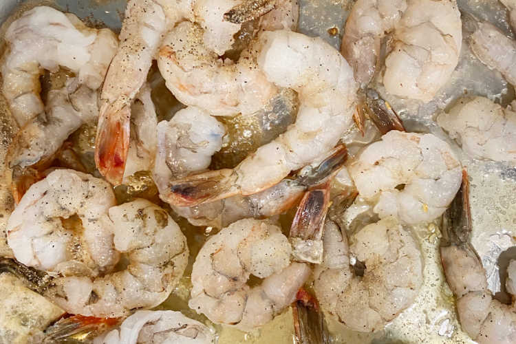 cooking raw shrimp in garlic butter sauce