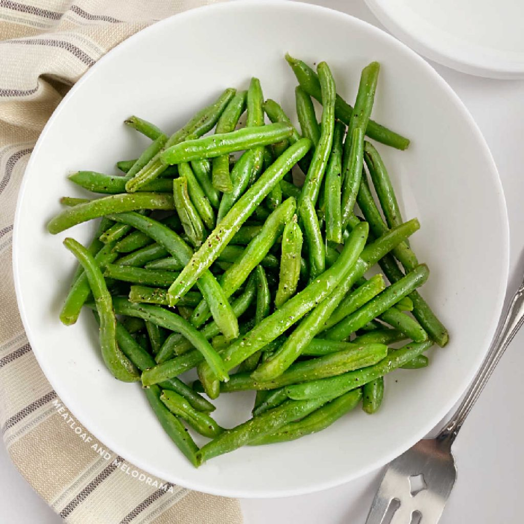 microwave green beans in white serving bowl